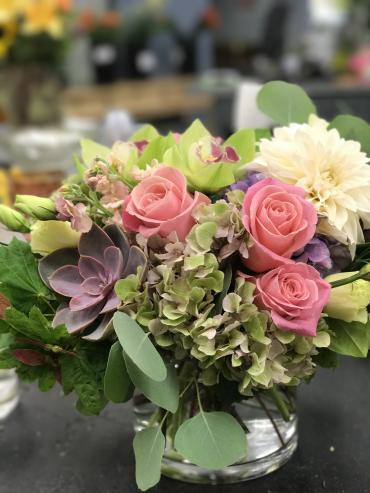 Garden District Flowers : Bakersfield, CA Florist : Same Day Flower Delivery